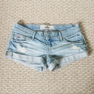 Like new Hollister distressed denim roll up shorts